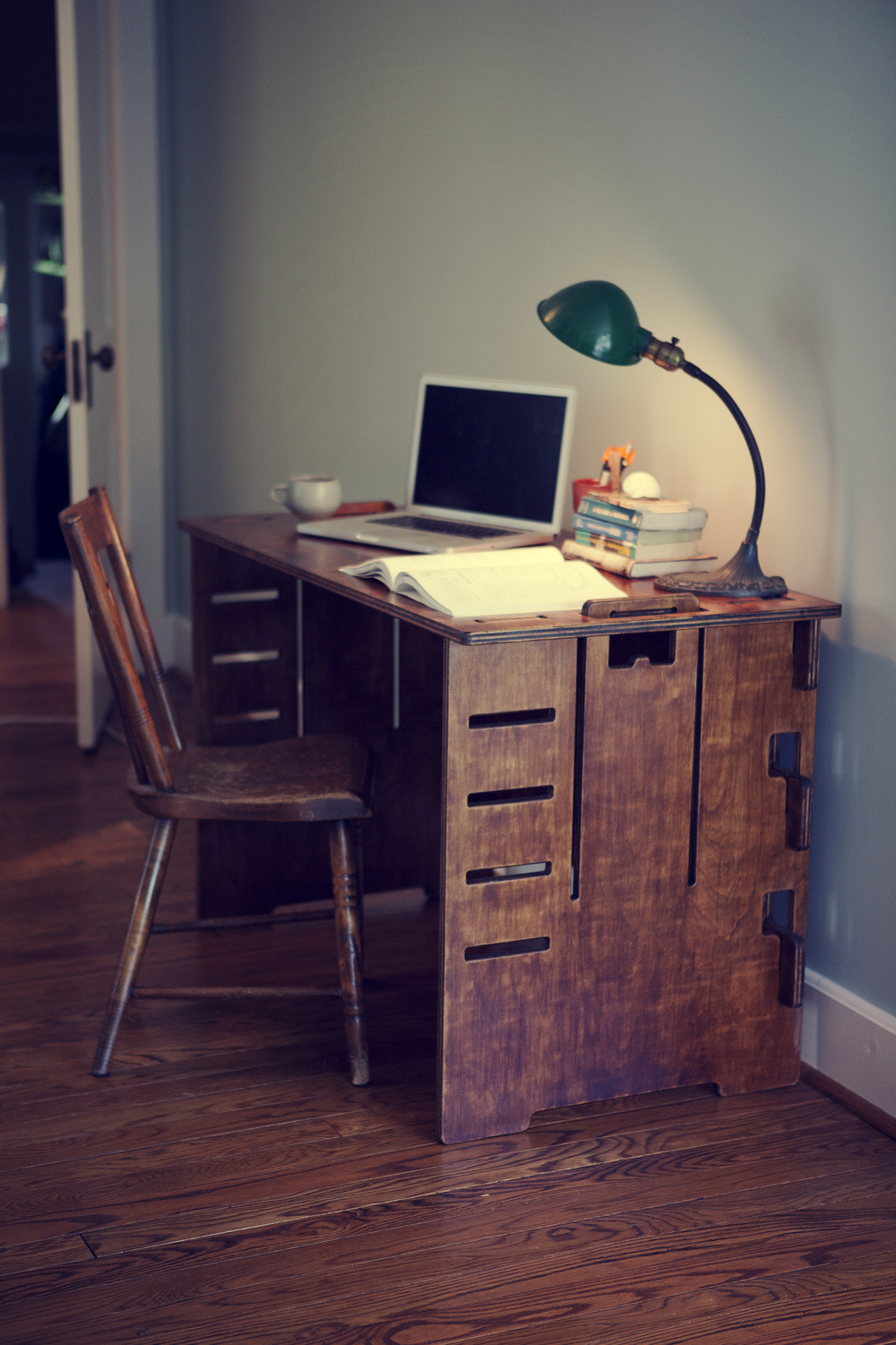 Image of Compy Desk 001
